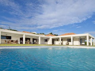 Charming 6 Bedroom Villa in Red Pond Bay - Dawn Beach vacation rentals