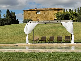 Comfortable Villa with Internet Access and Washing Machine - Montefollonico vacation rentals