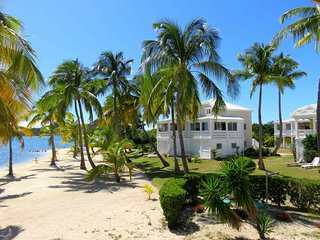 LA VIDA... Charming, Affordable, Romantic, Lagoon Waterfront Apartment - Nettle Bay vacation rentals
