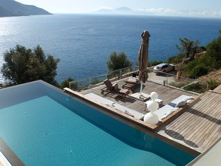 Villa Doukato- exclusive on Vassiliki bay with private dock, infinity pool. - Vasiliki vacation rentals