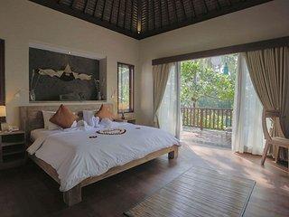 Harum Sari 2BR private infinity pool - Petulu vacation rentals