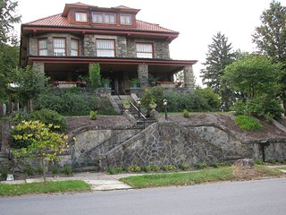 Spacious Historic House with private apartment - Fairmont vacation rentals