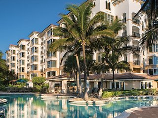 Marriott's Ocean Pointe: Studio, Sleeps 4, with Kitchenette - Palm Beach Shores vacation rentals