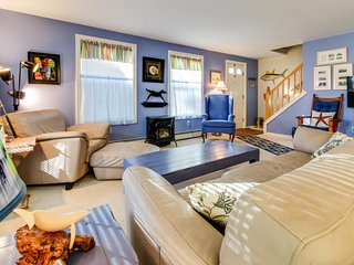 Dog-friendly cottage w/ a patio, on the golf course, close to the beach & pier! - Old Orchard Beach vacation rentals