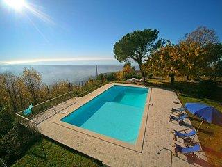 Bright 5 bedroom Villa in Strettoia - Strettoia vacation rentals