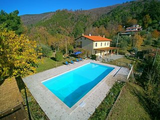 Bright 5 bedroom Villa in Strettoia - Strettoia vacation rentals