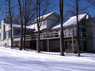 6 bedroom House with Mountain Views in Hidden Valley - Hidden Valley vacation rentals