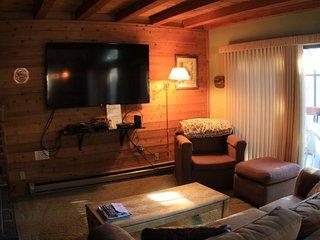 Upgraded, One Bedroom, Plus Loft, Sleeps 6 - Mammoth Lakes vacation rentals