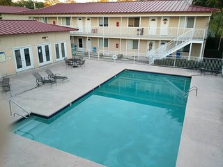 Charming Apartment with Internet Access and A/C - Biloxi vacation rentals