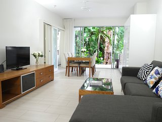 #1 Palm Cove: Luxury Tropical Garden with Pool Access - 2 Bed Bargain - Palm Cove vacation rentals