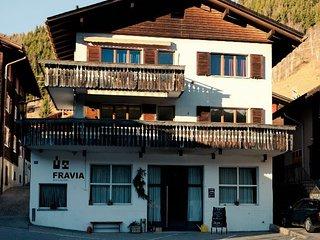 Gemütliche 5 1/2 Zimmer Wohnungs im zentrum von Sedrun zu vermieten - Sedrun vacation rentals