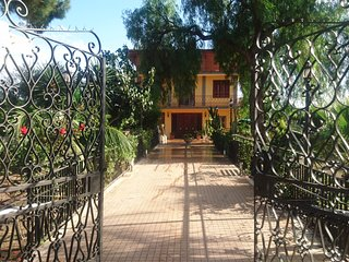 Villa Sicels - Gateway to Sicily - Perfect all Year Round - Agnone Bagni vacation rentals