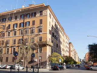 TOP FLOOR APT m2 120 with lift - St. John Lateran Basilica - Rome Centre - Rome vacation rentals