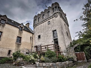 6 bedroom Castle with Internet Access in Airth - Airth vacation rentals