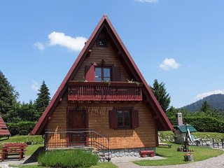 Beautiful 2 bedroom Crni Lug Chalet with Internet Access - Crni Lug vacation rentals