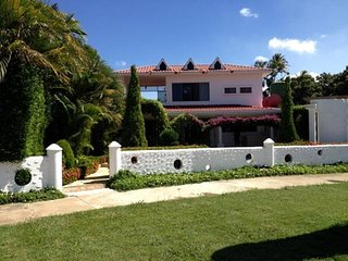 Bright 5 bedroom Vacation Rental in Montelimar - Montelimar vacation rentals