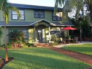 Queen Palm Suite-Green Palm Villa Vacation Rental - Fort Myers vacation rentals