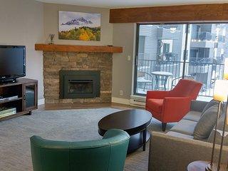 BC West H-2 w/ FREE Skier Shuttle - Avon vacation rentals
