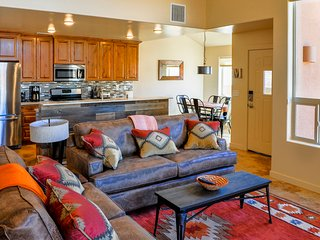 The Crooked Goat: Rustic, Modern Southwest - 3 bd, loft, 2 1/2 bath, pool & spa - Moab vacation rentals
