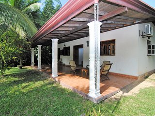 Perfect Bungalow with Deck and Internet Access - Dharga Town vacation rentals