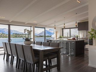 The Lakehouse - Absolute Lakefront - Queenstown vacation rentals