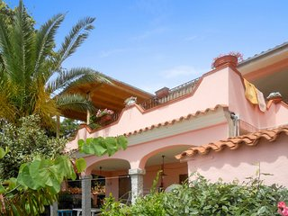 Bottom of villa, 2km from the beach - Tanaunella vacation rentals