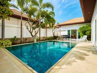 Majestic pool villa! - Pattaya vacation rentals