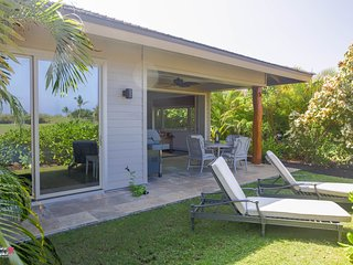 ★Tropical Breezes★ Luxurious Single Level  Home★ Dual Master & Golf Views★ Bikes - Waikoloa vacation rentals