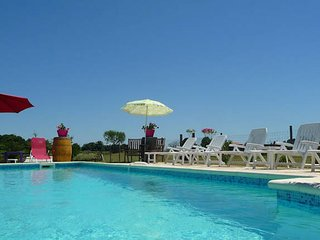 Grenache holiday gites near Montpellier with pool sleeps 5 - Saint-Drezery vacation rentals