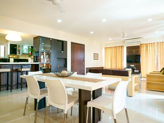 Luxurious fully furnished 3 bedroom apt in Baner (Pune, India) & a superb view ! - Pune vacation rentals