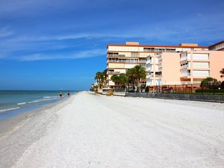 Perfect 3 bedroom Apartment in Redington Beach - Redington Beach vacation rentals