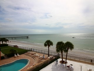Mariners Light 3B - Redington Beach vacation rentals