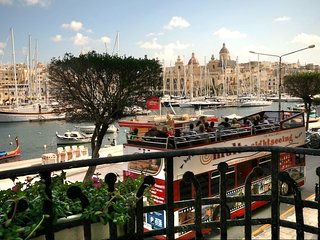 Charming 2 bedroom Condo in Senglea - Senglea vacation rentals