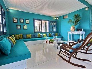 Superbe villa pied dans l'eau, 5CH, piscine, jardin, ponton privé, vue mer - Le Francois vacation rentals