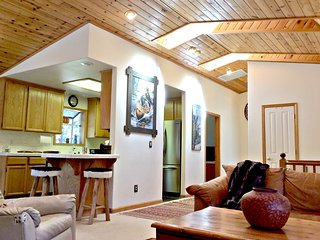 Great Location !!  Kings Beach Cabin - Lima vacation rentals