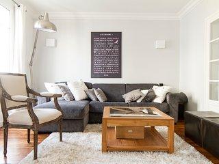 Three bedroom family apartment near metro Boucicaut (8 people + 1 baby) - Paris vacation rentals