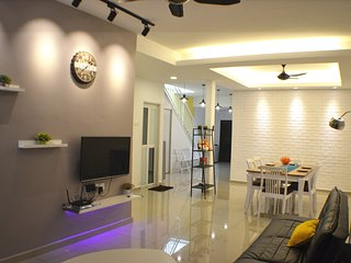 Bright 5 bedroom Vacation Rental in Melaka - Melaka vacation rentals