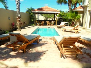Villa Sandcastle- Stunning Pool/Jacuzzi Villa Walk to Eagle Beach - Noord vacation rentals