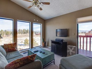 Cute two-story condo with deck, exceptional views, and close to hot springs! - Pagosa Springs vacation rentals