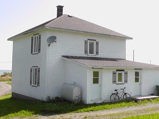 Beautiful Cottage with Internet Access and Wireless Internet - Gaspe vacation rentals