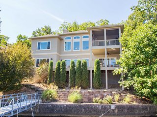 Lakefront Home Sleeps Up To 12, Stunning View, Access To Private Beach, Pool - Lake Ozark vacation rentals