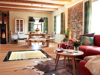 Landhaus Chalet Mussea - Sauna Wellness privat spa Hot Tub Kamin inkl. Frühstück - Muenchberg vacation rentals