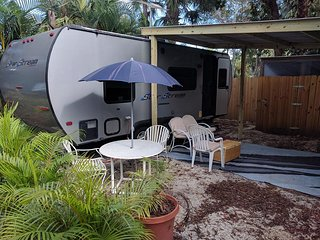 Nice Caravan/mobile home with Internet Access and A/C - Jupiter vacation rentals