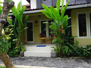 Angel House; Jepun Suite 1 X-King/ 2 X-single -Boutique Ubud B&B on a budget. - Mas vacation rentals