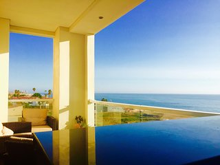 Comfortable 2 bedroom Condo in Rosarito with Shared Outdoor Pool - Rosarito vacation rentals