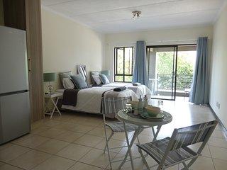 Urban, Trendy, Simplicity - Lonehill, Sandton - Bryanston vacation rentals