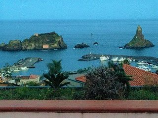 Apartment Infinito Mare in Aci Castello, with wonderful sea view, terrace and WiFi - 50 m from the beach - Aci Castello vacation rentals
