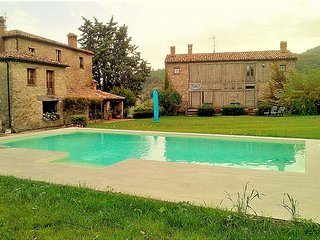 Refuge of the fairies - Villa with 6 rooms in Frontino with private pool, garden and WiFi - Frontino vacation rentals