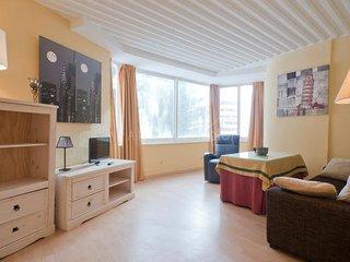 Nice Condo with Central Heating and Television - Pradollano vacation rentals