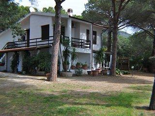 Trilocale in villa a 450mt dal mare - Lacona - Isola d'Elba - Lacona vacation rentals